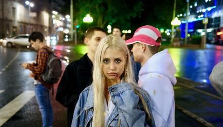 """Гомельчанин: В очереди в магазине малолетняя """"соска"""" с гордостью рассказывала подружкам, что не может с ними пойти, потому что у её парня """"условка"""""""