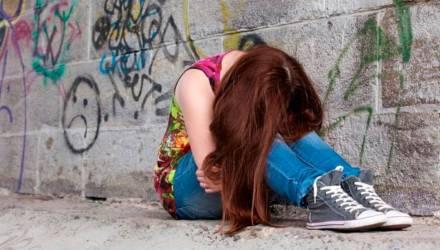 Светлогорские подростки режут себя. Родители, наблюдайте за своими детьми!