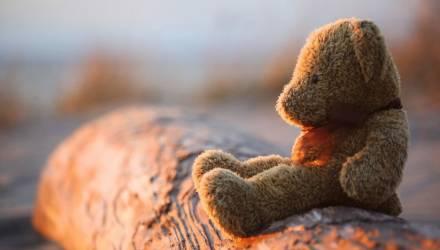В Беларуси мальчик 14 лет прожил без документов. Мама родила и забыла, ребёнка содержал и воспитывал дедушка