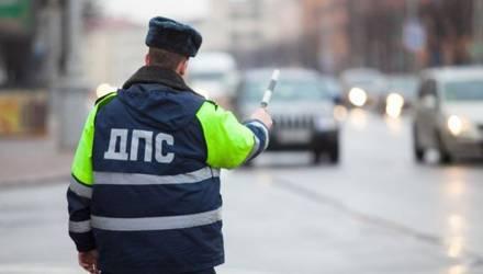 В Гомеле при проверке документов у водителя нашли шприц и белый порошок