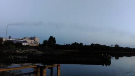 Обойная фабрика в Новобелице: дым исчез, запах пока есть