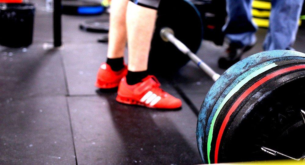 """Правила поведения в """"качалке"""": фитнес-тренер рассказал о том, что его бесит"""