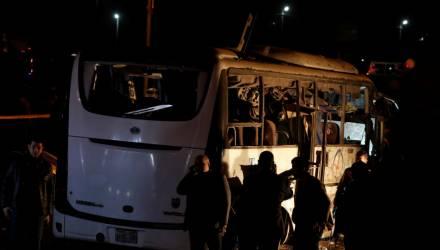 Увидеть пирамиды и умереть. Автобус с туристами взорвали в Каире – погибли четыре человека
