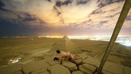 Туристы из Дании занялись сексом на вершине пирамиды Хеопса – видео
