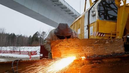 Все пролеты из металла: как идет строительство автомобильного моста через Сож