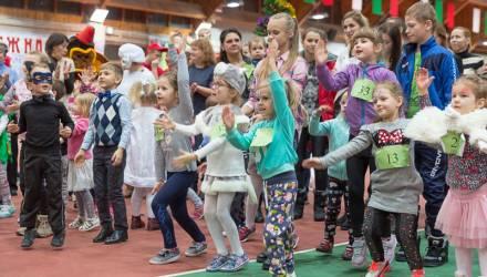 Фоторепортаж: новогодний забег малышей в Гомеле