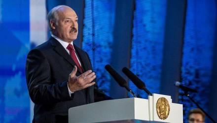 Лукашенко по поводу налогового маневра: «Меня настораживает, что белорусы заволновались. Я хочу прямо сказать: волноваться абсолютно нет причин»