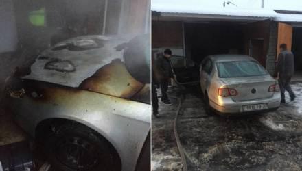 В Гомеле горел гараж с VW Passat внутри