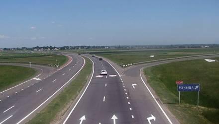 Дорога из бетона. Лукашенко подписал указ о реконструкции участка дороги М-10 на Гомельщине