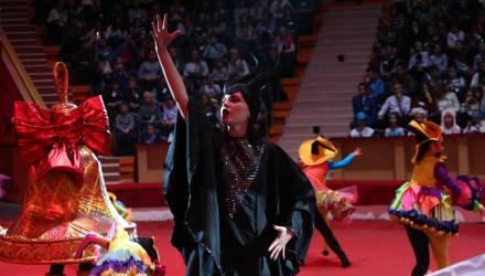 В Гомеле губернаторская ёлка собрала более 1400 детей