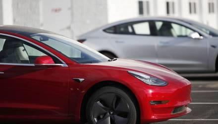 Курьёзный случай. В США арестовали водителя Tesla, который пьяным уснул за рулём – авто ещё 7 минут уходило от погони копов на скорости 110 км/ч
