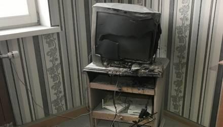 Почему загорелся неработающий телевизор? Специалисты выясняют причины пожара в гомельской многоэтажке