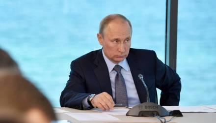 Путин объяснил отказ принимать звонки Порошенко