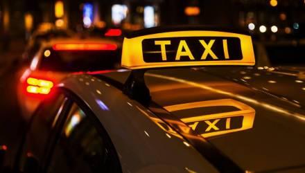 Под Речицей парень под психотропами ударил молотком по голове таксиста, который отвёз его на могилу деда