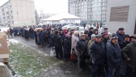 Лукашенко прокомментировал очереди пенсионеров за подарками в Солигорске