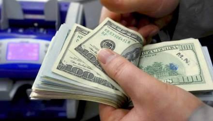 Чем закончилась история белоруса, которому за неуплаченные 13 у.е. по кредиту насчитали пеню в 4000 долларов