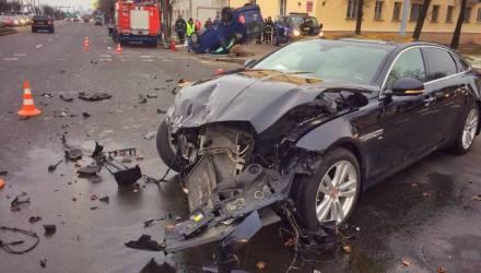 """Основатель «Дариды» Владимир Делендик за рулём Jaguar поехал на """"красный"""" и спровоцировал смертельное ДТП"""