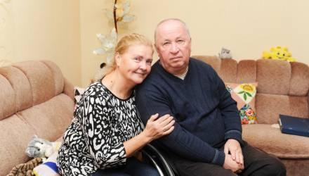 На такие испытания способна только любовь: история колясочника из Гомеля Геннадия Золотарёва и его жены