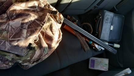 Гомельчанин, который гнался за зайцем и чуть не подстрелил женщину, не сможет охотиться 3 года