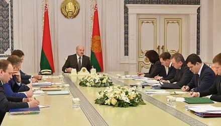 Лукашенко заявил, что вопрос об объединении Беларуси и России в одно государство не стоит