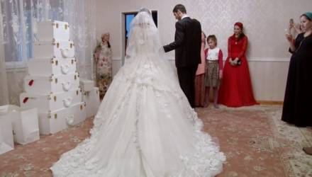 Невеста получила пулю во время свадьбы и всё равно вышла замуж