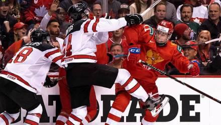 «Это была война, мы подарили стране праздник». Российская молодёжка обыграла Канаду на её льду
