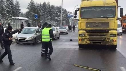Курсант погиб под колесами фуры напротив Военной академии в Минске
