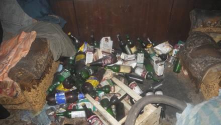 В Гомеле мужчина в неограниченных количествах пил пиво и курил: еле дополз до ванной, спасаясь от огня
