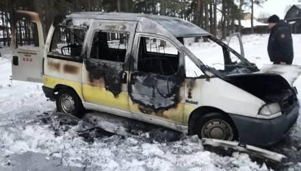 Ужас! На Гомельщине убили таксиста и сожгли его авто