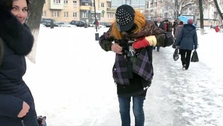 """""""Танцую в гламуре"""". Как гомельчане готовятся к празднованию Рождества Христова – репортаж с улиц"""