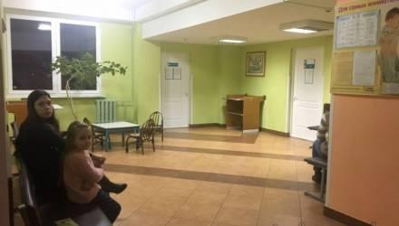 В белорусской школе более 100 учеников не пришли на занятия. Учителя и медики заволновались