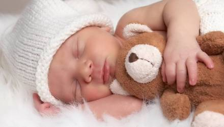 На первенца — больше 7000 рублей. Какую сумму пособий в год получает семья при рождении ребенка
