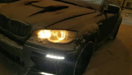 Водитель-бесправник с самого Минска удирал от ГАИ на BMW X6, и таки скрылся! Задержали его на Гомельщине