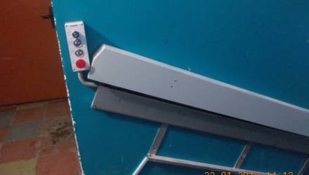 Подъёмник для двоих инвалидов-колясочников установили бесплатно в Гомеле