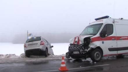 В Мозырском районе «Лада» вылетела на встречку и врезалась в скорую, есть пострадавшие (видео)
