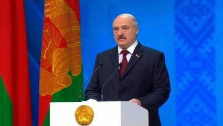 Лукашенко поручил привести вузовские и школьные программы в нормальный вид