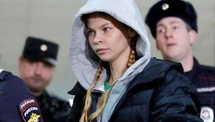 «Реально, мне хватит!» Насте Рыбке продлили задержание на 72 часа. Она попросила прощения у Олега Дерипаски
