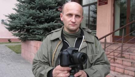 Гомельский блогер Жуковский уехал из Беларуси. Говорят, его побили и порвали паспорт – он будет просить политубежище в ЕС