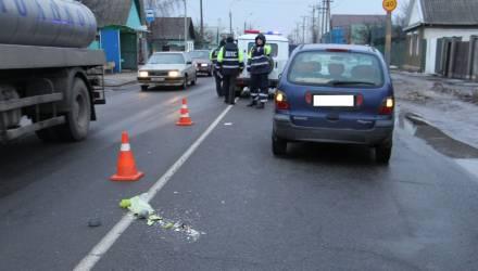 Renault сбил женщину на переходе в Гомеле – пострадавшая в нейрохирургии