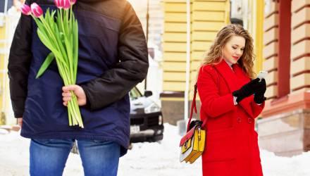 Девушка по телефону отговорила белоруса от суицида, назначив ему свидание