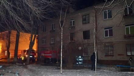 В Гомеле при пожаре в подвале 3-этажного дома погибла молодая женщина (фото, видео)