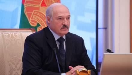 Лукашенко объяснил, почему жёны выгоняют белорусов из дома