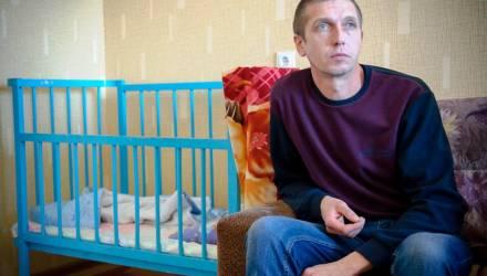 В Гомеле суд решил судьбу высылаемого из страны многодетного украинца Сергея Проценко