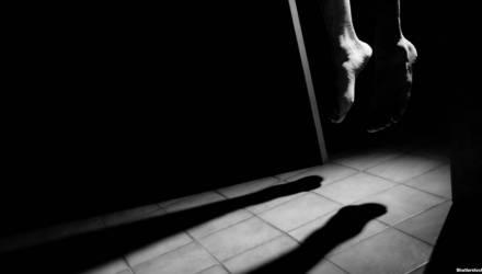На Гомельщине 32-летняя женщина совершила самоубийство, так как детей грозились забрать в приют