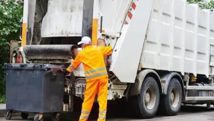 История о мусорщике, который нашёл самый ценный клад среди отходов – свою жену