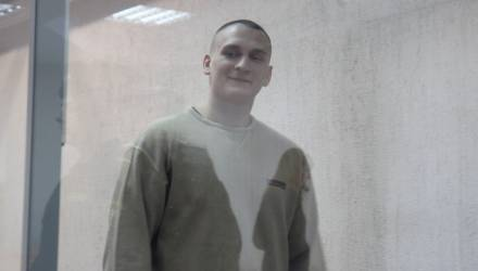 Беглый заключенный, ранивший трех милиционеров на остановке в Гомеле, приговорен к 13 с половиной годам лишения свободы