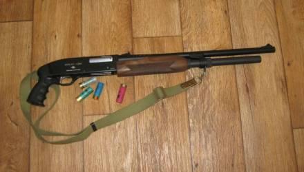 7 лет тюрьмы грозит россиянину за провоз на Гомельщину травматического пистолета и охотничьего ружья