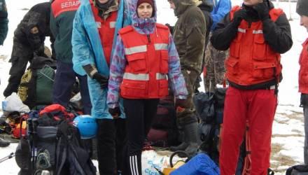 И в дождь, и в снег: в Гомеле команды МЧС со всей страны состязаются в многоборье спасателей