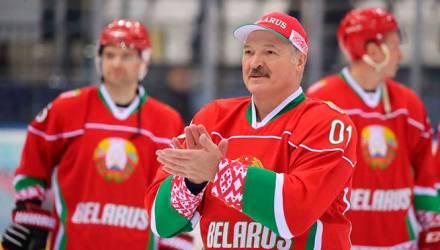 Лукашенко пригрозил белорусским хоккеистам зарплатой в 500 долларов