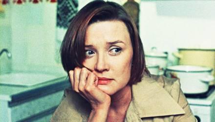 «Я офигенная, красивая и умная. Но я устала от всего в своей жизни». Психолог отвечает белоруске